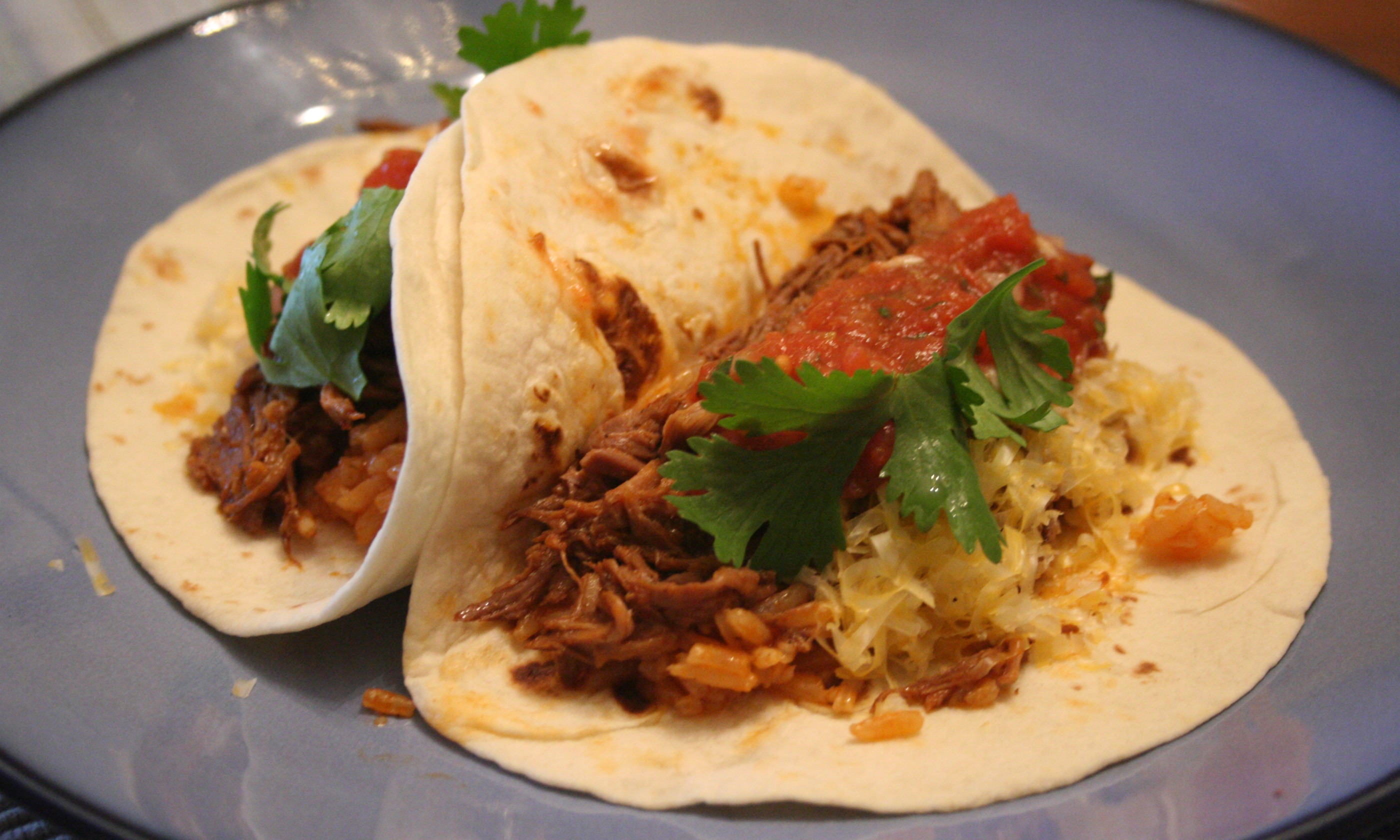 Slow-Cooker Shredded Beef Tacos | Mom-Makes...