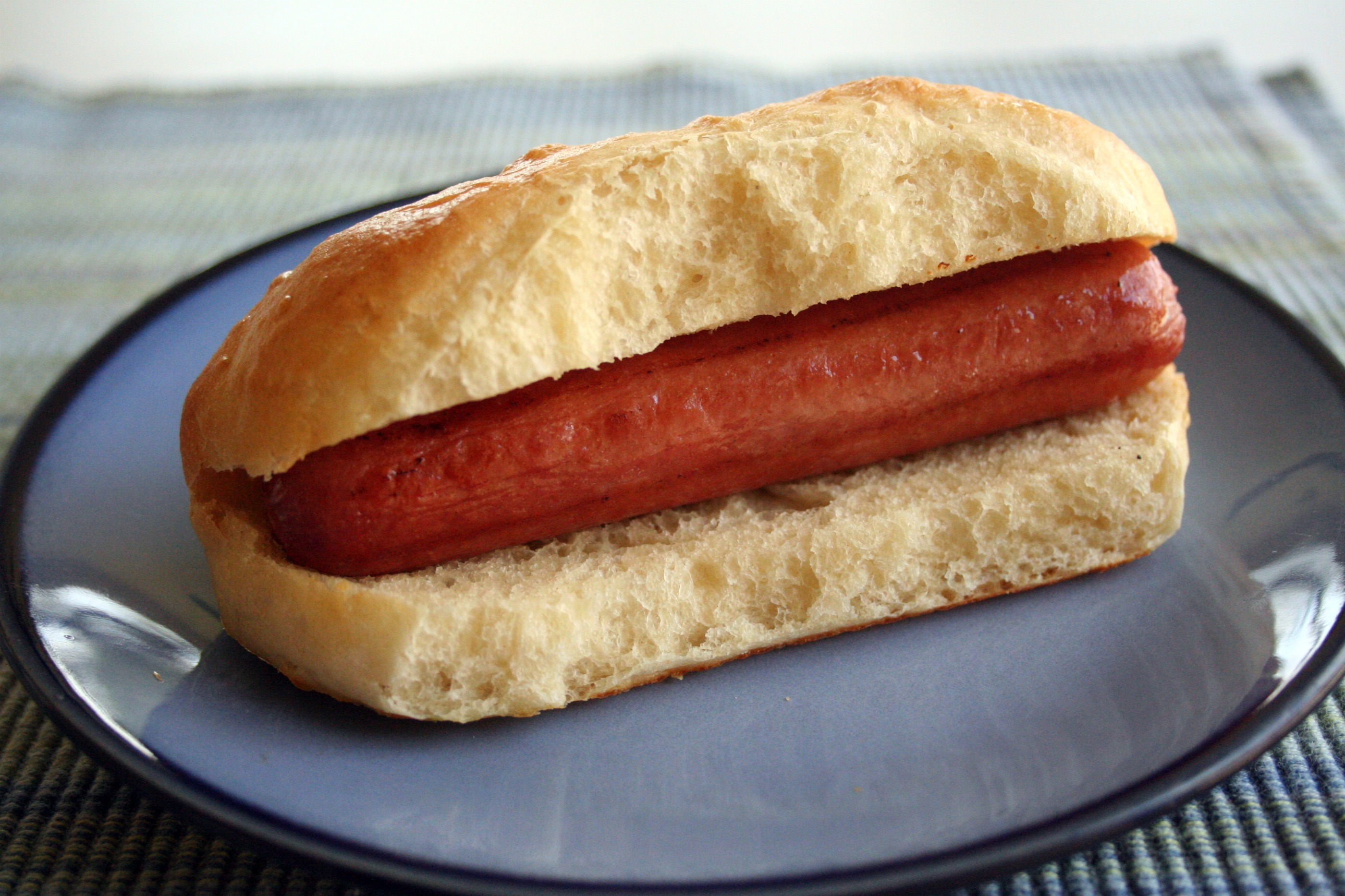 Homemade Hot Dog Buns | Mom-Makes...